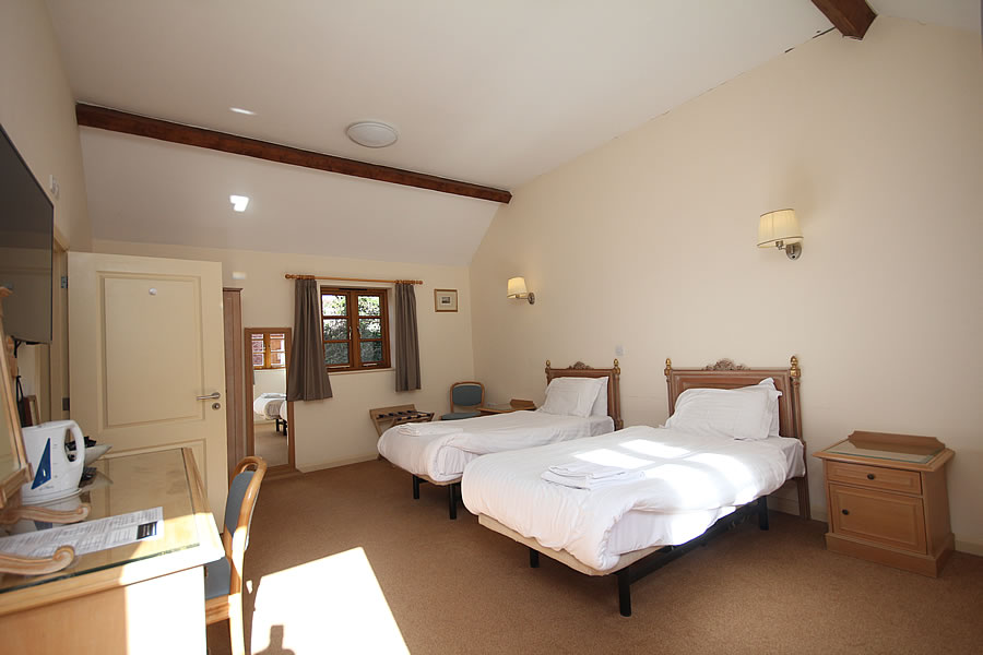 Self Catering Holiday Pub Accommodation in Nether Stowey